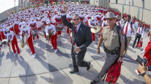 """Coach goes country: Tom Herman, grand marshal of 2016's rodeo parade, talks big goals and plans for his team"""